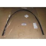 Молдинг лобового стекла нижний (уплотнитель) Nissan Pathfinder R51M (Ниссан Патфайндер R51)